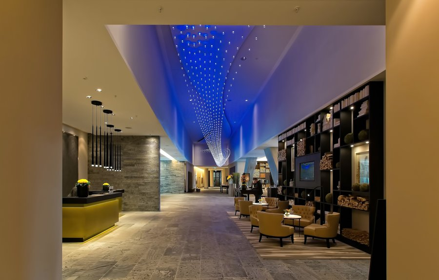 Advanced Digital Signage Solutions for Your Hotel or Resort