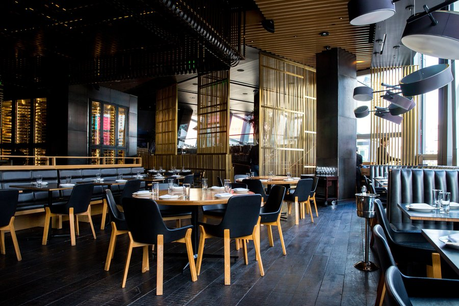 3 Must-Have Features for A Restaurant's Commercial Audio System Setup
